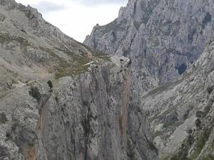 picos gorge walk 3