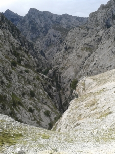 picos gorge walk 2